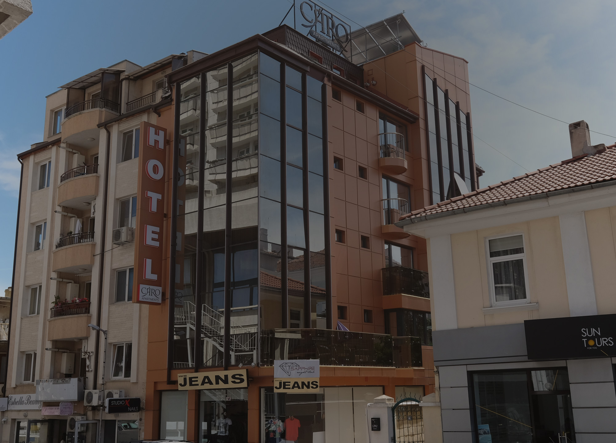About Caro Apartments